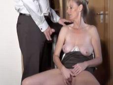 Madura amateur casada grabando un video casero caliente
