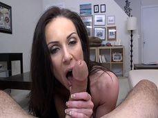 La diosa Kendra Lust se la chupa de lujo a Sean Lawless