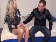 La madura alemana está feliz porque va a follar en la primera cita - Sexo Gratis