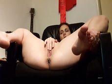 La guapa Antonia Sainz se abre de piernas y se da mucho placer - Zorras