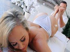 Keiran Lee hace gozar bien fuerte a la diosa milf Brandi Love - Actrices Porno
