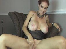 Charlee Chase enciende la webcam para masturbarse cachonda - Sexo Gratis