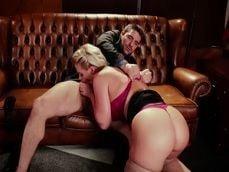 Phoenix Marie se merienda la buena polla que tiene Toni Ribas - Actrices Porno