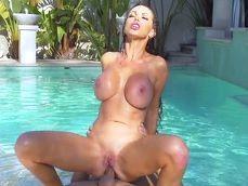 Keiran Lee follando con la diosa de tetas operadas Nikki Benz - Sexo Gratis