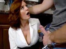 Vamos señora, no se lo piense mas y comience a chuparme la polla ... - Youporn