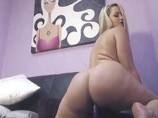 La pornstar Alexis Texas se hace un pajote en la webcam - Zorras
