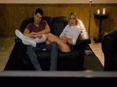 La película es aburrida y se ponen a pegar una buena follada.. - Folladas