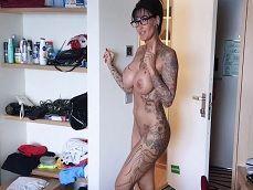 Prostituta alemana nos lleva a la ducha con ella, que cuerpazo! - Amateur