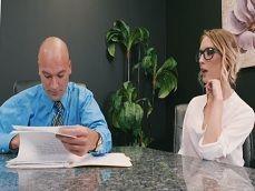 Una secretaria como esta quiero yo para mi trabajo joder.. - Pornhub