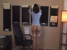 Joder con la secretaria Mercedes Carrera, como viene.. - Cerdas