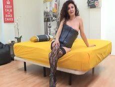 La española Zazel Paradise follando con un jovencito bien dotado! - Porno Español