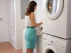 Folladón tremendo con la encargada de lavanderia del hotel - Casadas