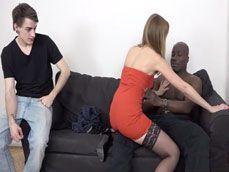 Le pone tanto ver a su mujer con otro que acaba lamiendo su lefa - Cornudos