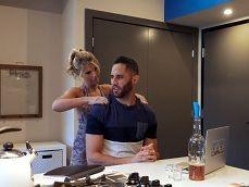 Mi suegra me hace un masaje, creo que quiere rabo.. - Incestos Gratis