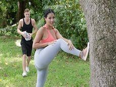 Jodida vecina, que culazo marca con esos leggins - Mujeres Desnudas