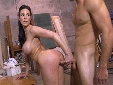 Nos tenemos que rendir a la diosa del porno Kendra Lust - Actrices Porno