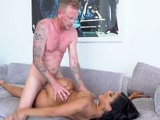 Jules Jordan follando con fuerza a Misty Quinn - Sexo Gratis