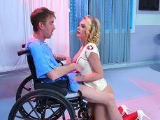 Kagney Linn Karter es follada por el culo en el hospital - Xvideos