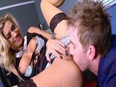 Danny D hace gozar y mucho a la rubia Kleio Valentien - Porno Gratis