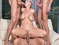 La señora Angel Wicky follando con los limpiacristales.. - Orgias