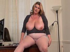 Si te gustan las secretarias gordas, esta te encantará! - Gordas