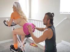 Brandi Love pone bien cachondo a su entrenador personal.. - Youporn