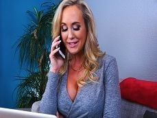 La señora llama a un amigo del marido para que venga a follar.. - Casadas
