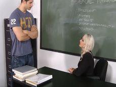 Me querías ver en privado en clase profesora? Aquí estoy.. - Redtube