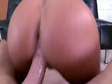 Disfrutemos de la follada a la pornstar caliente August Ames - Actrices Porno